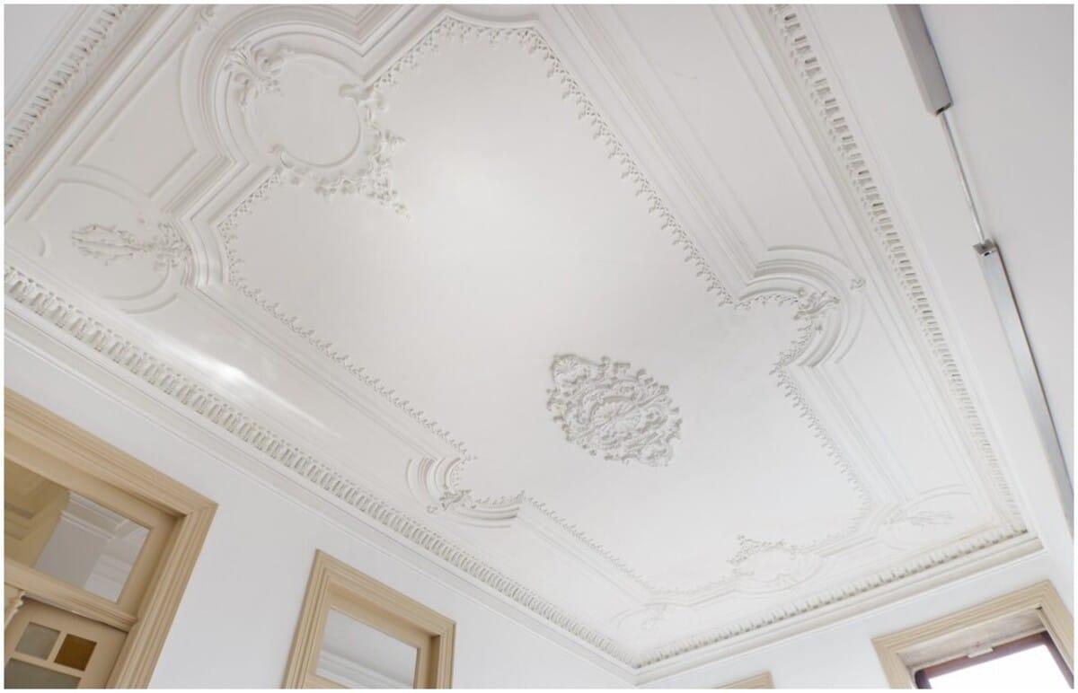 faux plafond moderne salon